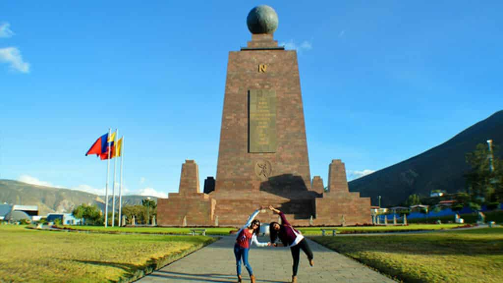 equator-creative-photo at the monument