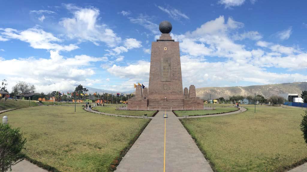 mitad-del-mundo-ecuador